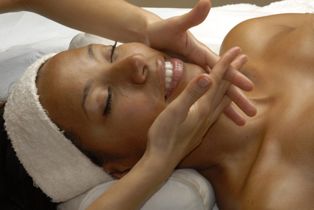 Sole Touch | natural-lift-facial-massage